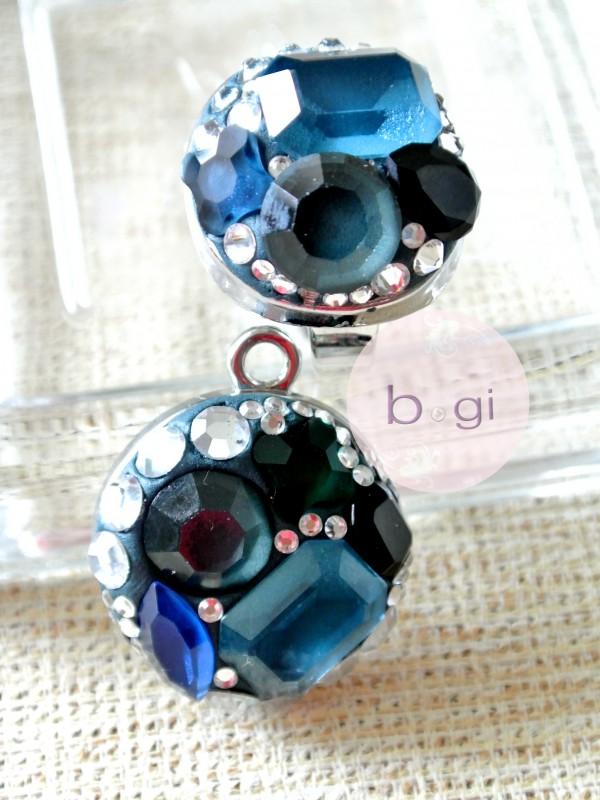 JEWCLAY up Swarovski rhine stones.  set of ring and pendant